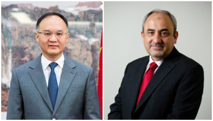Chinese Ambassador to Pakistan Noon Rong(L) and new CPEC Authority Chief Khalid Mansoor(R)