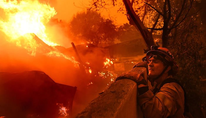 California witnesses historys worst fire that burned 250% more land than 2020
