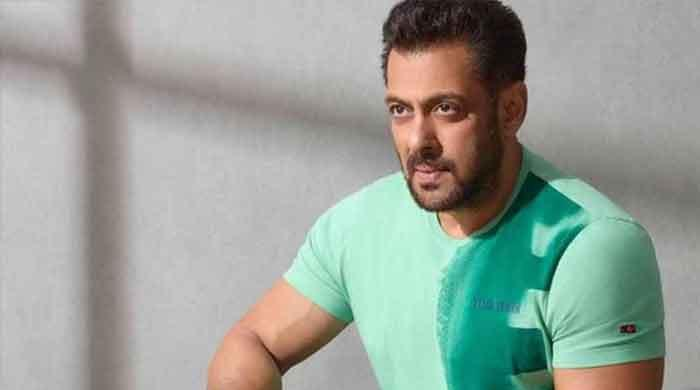 Salman Khan completes 33 years in Bollywood
