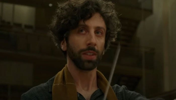 'Big Bang Theory' star Simon Helberg touches on getting French passport for 'Annette'