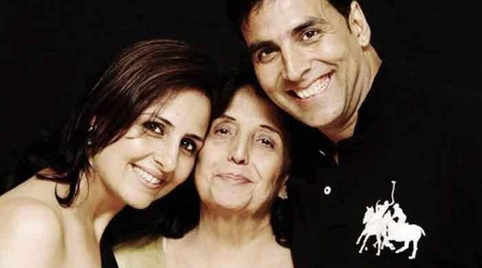 Akshay Kumar confirms his mother is unwell