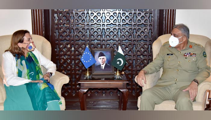 European Union High Commissioner to Pakistan Androulla Kaminara (left) meets Chief of Army Staff (COAS) General Qamar Javed Bajwa at the GHQ in Rawalpindi, on September 8, 2021. — ISPR