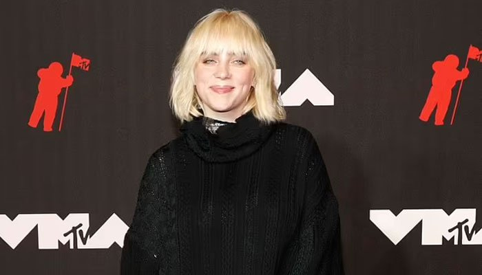 Billie Eilish rocks oversized all-black look at 2021 MTV Video Music Awards