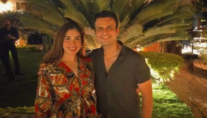 Usman Mukhtars wife Zunaira trolls him on Instagram, leaves fans in splits