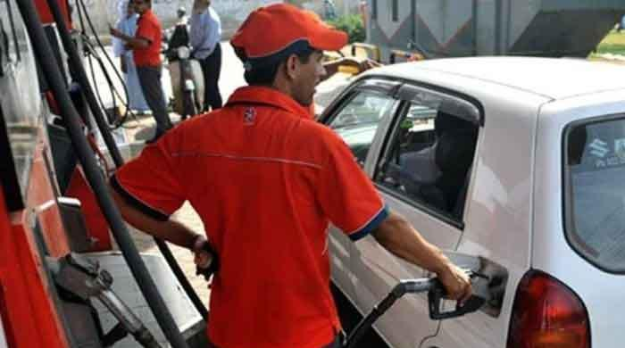 Price of petrol in Pakistan goes up by Rs5
