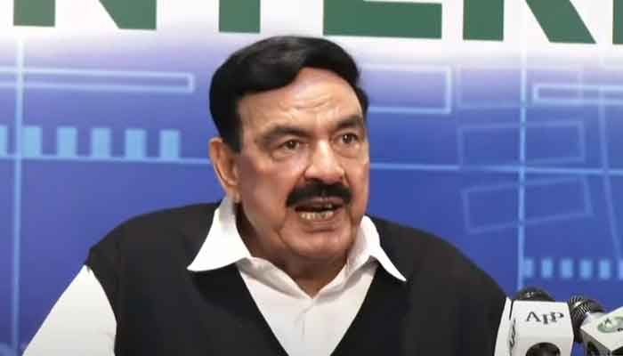 Federal Minister for Interior Sheikh Rasheed addressing a press conference Islamabad after New Zealand cancelled their tour of Pakistan, on September 17, 2021. — YouTube/HumNewsLive