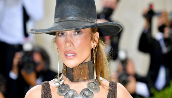 Jennifer Lopez says she still feels like an outsider in Hollywood