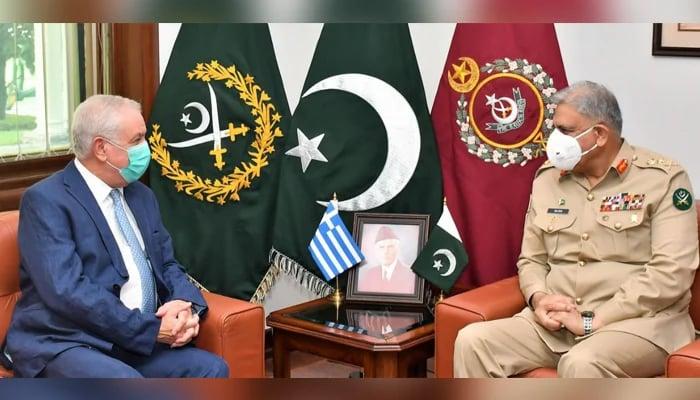 Chief of Army Staff (COAS) General Qamar Javed Bajwa (right) meets Greek Ambassador to Pakistan Andreas Papastavrou at GHQ, on September 21, 2021. — ISPR