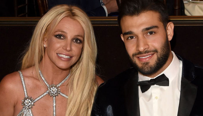 Britney Spears requests an end to fathers guardianship so she can marry with a prenup