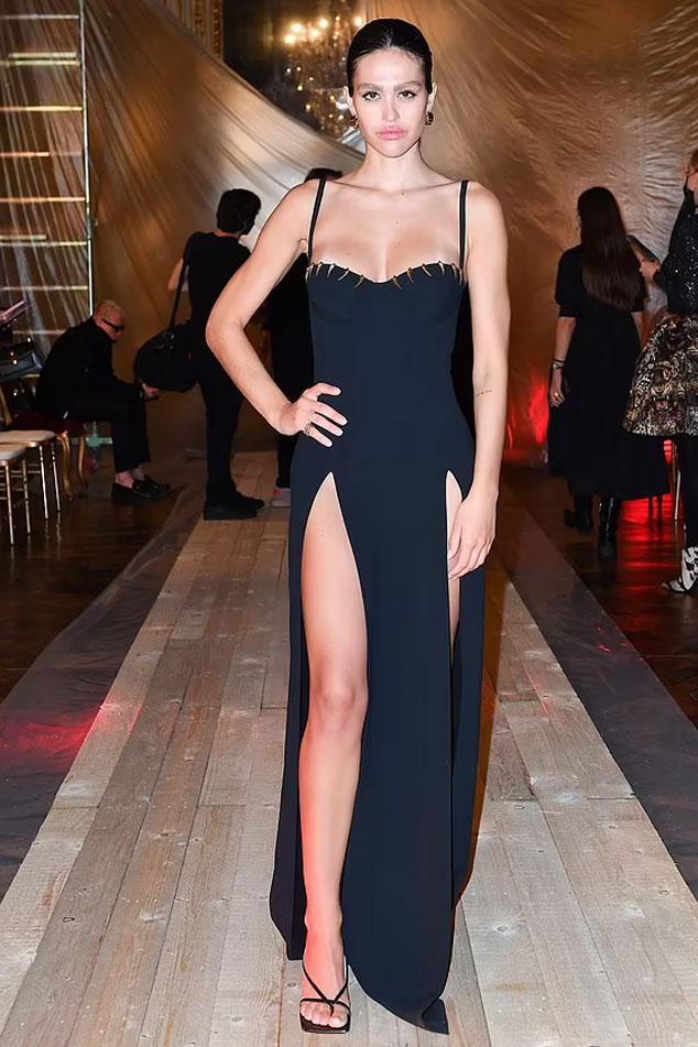 Scott Disicks ex Amelia Hamlin puts on a stylish display in black evening gown