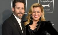 Kelly Clarkson declared 'legally single' after divorce from Brandon Blackstock wraps up