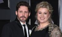 Kelly Clarkson finally declared 'legally single' after lengthy divorce proceedings