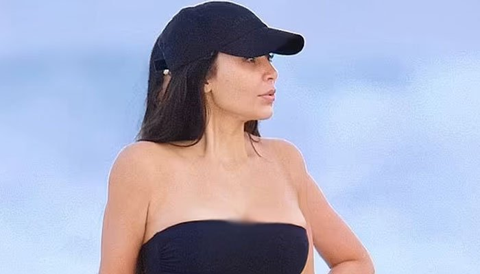 Kim Kardashian showcases her incredible fitness in steamy outfit at a beach in Malibu