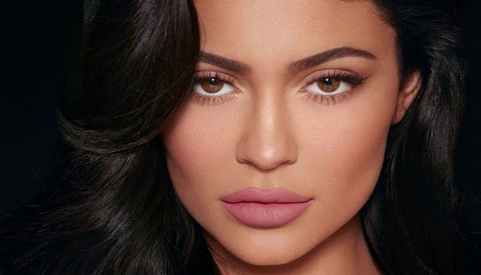 Kylie Jenner offers advice to expecting mothers