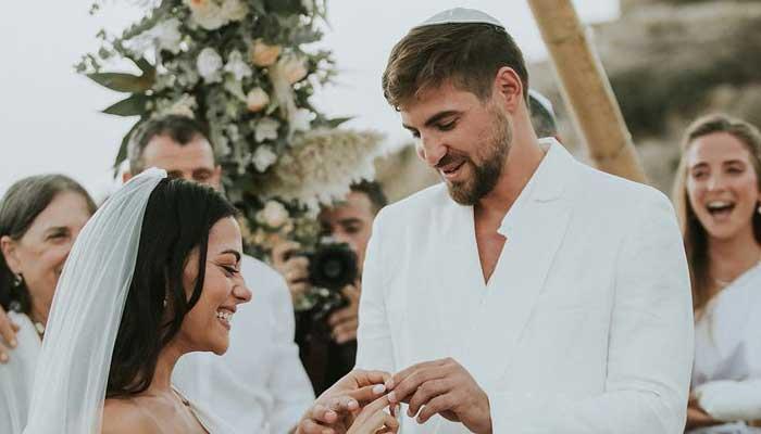 Inbar Lavi, Dan Bar Shira exchange nuptials in lavish boho ceremony