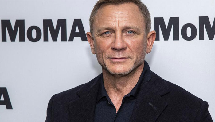 Daniel Craig makes UK Navy officer due to successful 007 persona