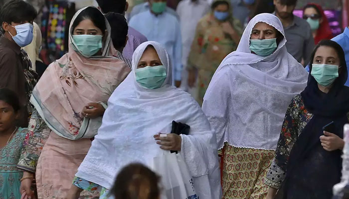 52 more people died of COVID-19 in the last 24 hours in Pakistan. Photo: file