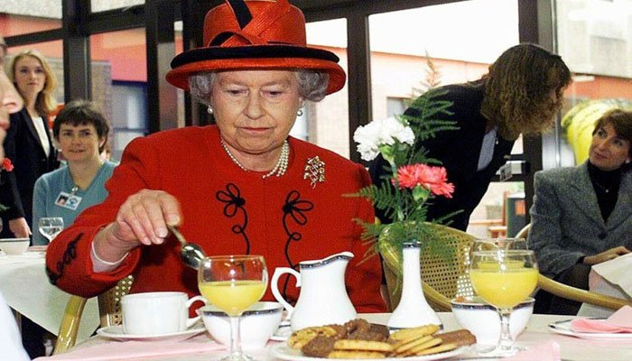 Royal chef highlights Queen Elizabeth's peculiar eating habits
