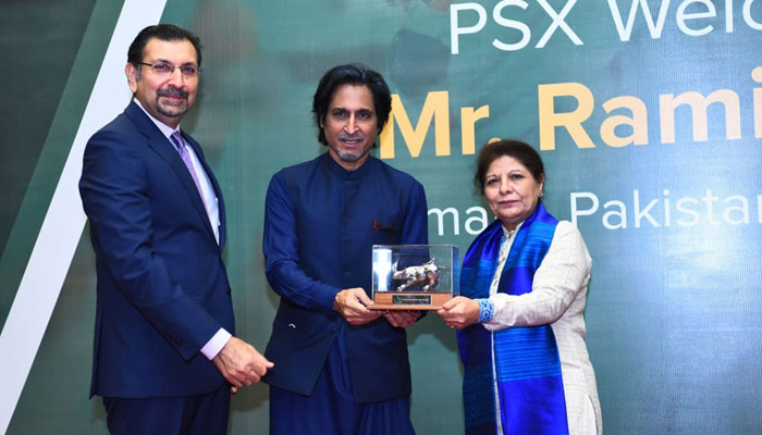 In a first, PSX holds gong ceremony to honour PCB chief