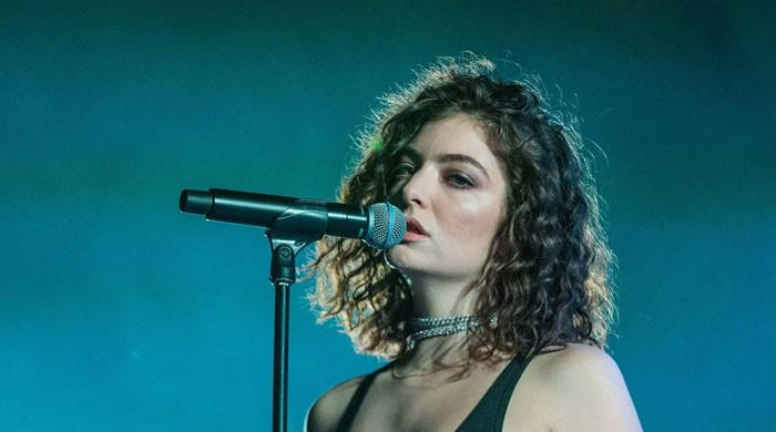 Lorde teaches David Byrne the secret trick to combatting stage fright