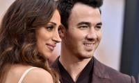 Kevin Jonas weighs in on wife Danielle's 'huge support' during tour